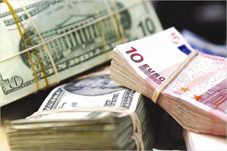 Доллар или евро — что покупать