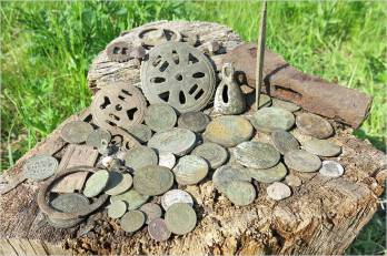 Видео о поиске монет с металлоискателем